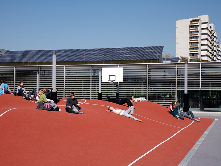 basketballcourt-sculpture, munich, school