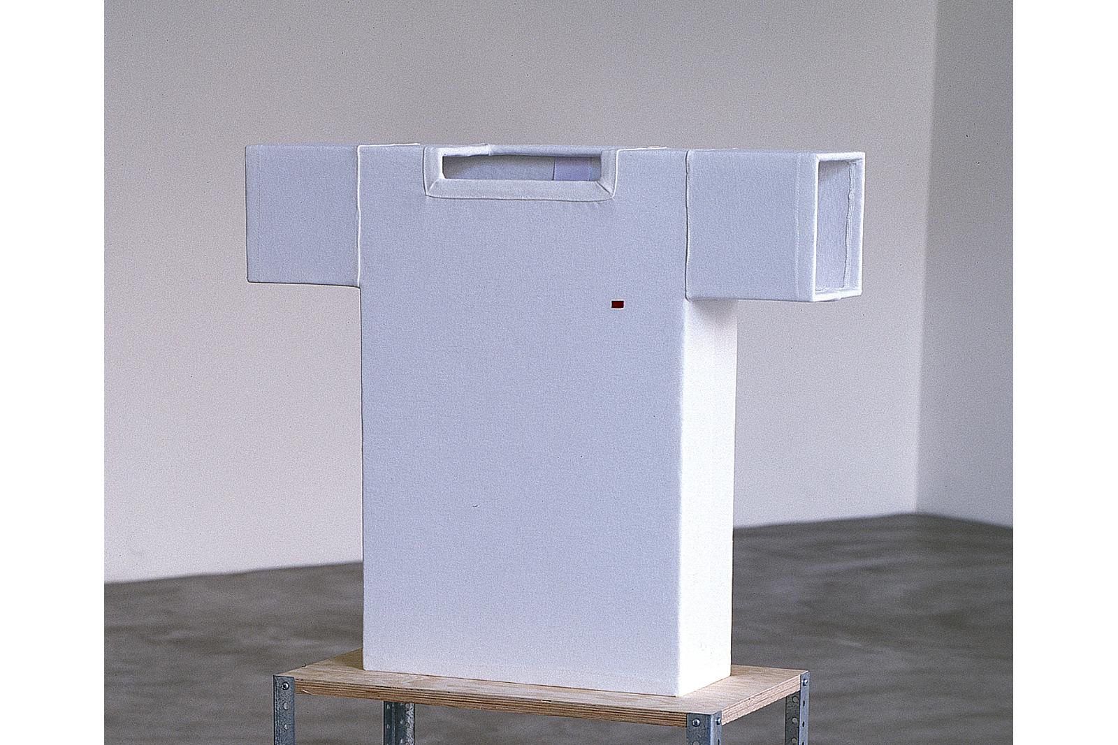 t-shirt sculpture, galerie hengesbach wupperthal