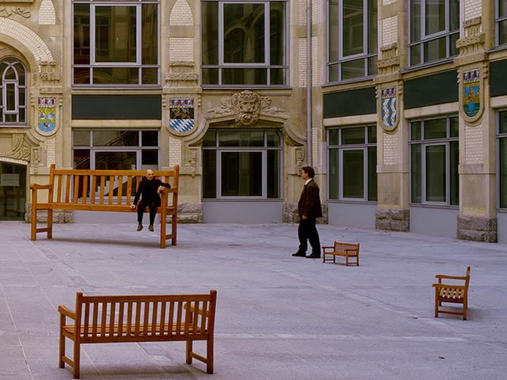 officebuilding-yard-art-installation-benches-berlin