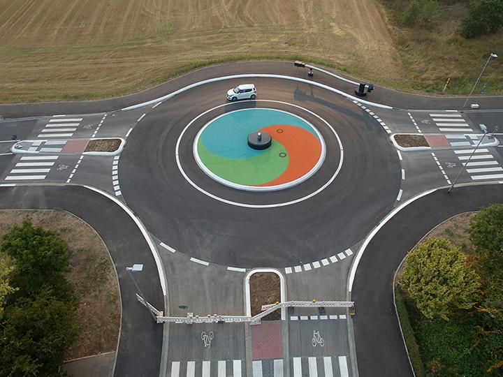 roundabout-traffic
