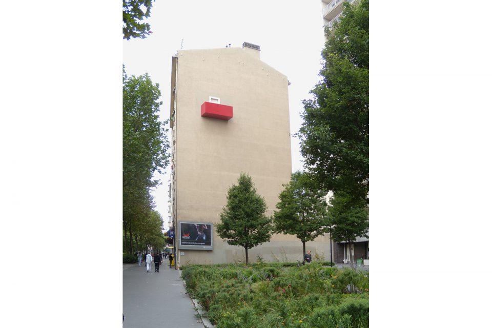 balkony-public-monument-Jean-Jaurès-paris