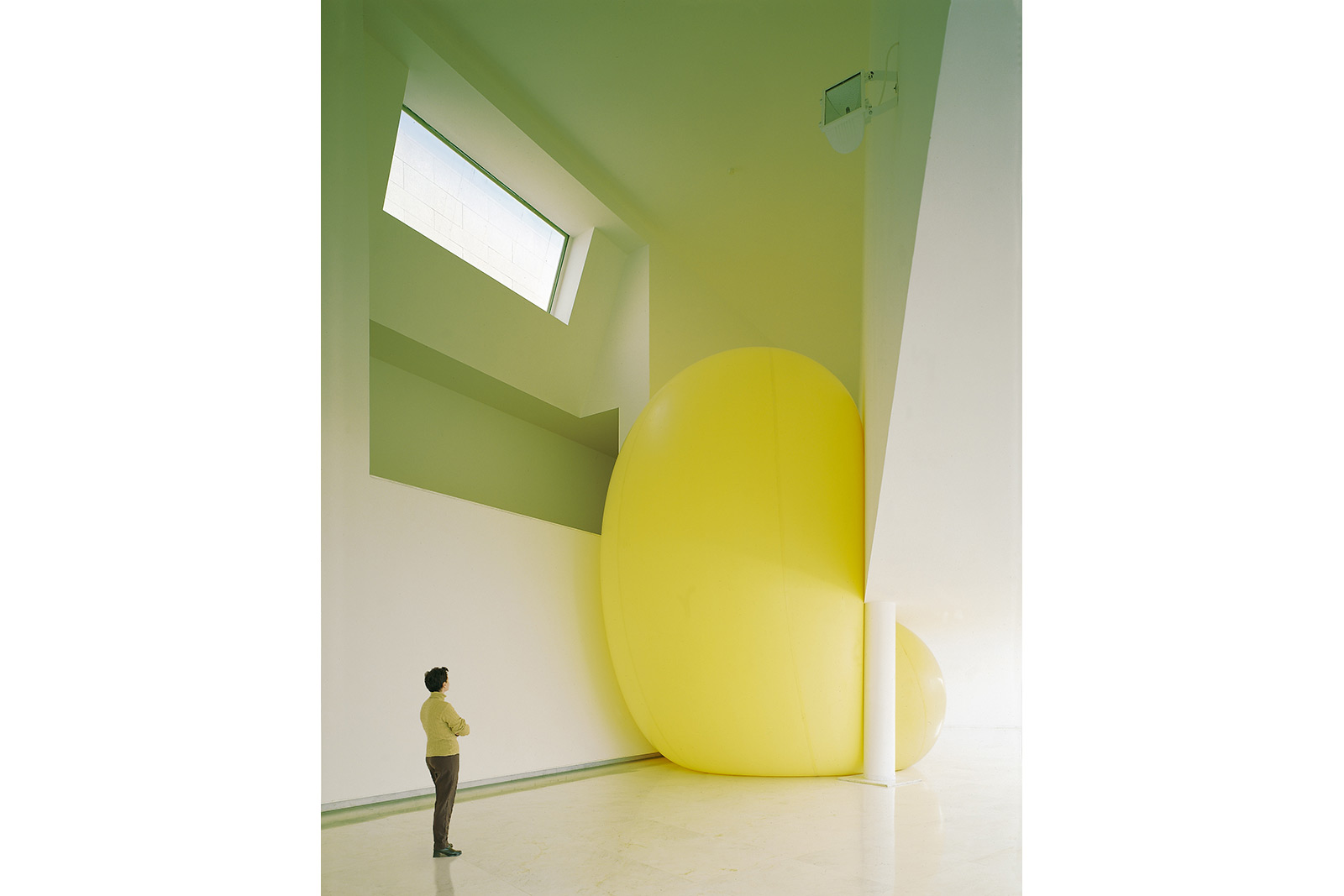 balloon and architecture, 10 meter high airballoon in museum
