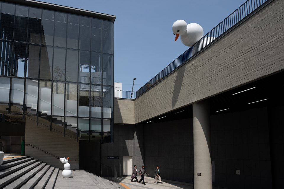 public-sculpture-hospital-seoul