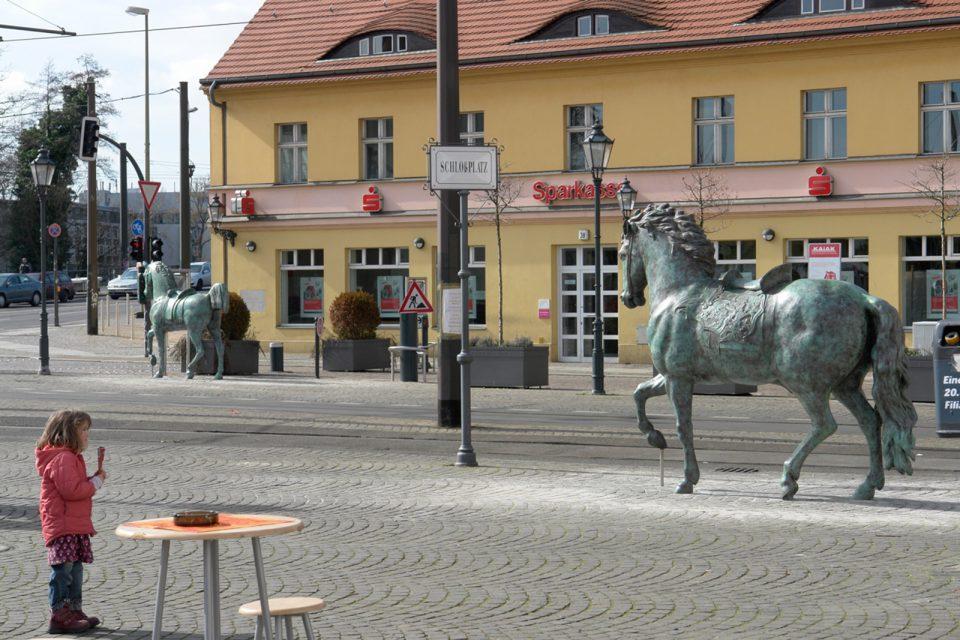 public-sculpture-monumental-bronze-horses