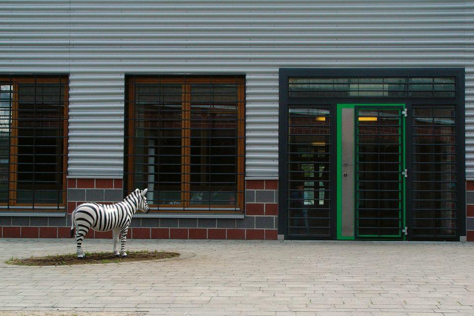 zebra-sculpture-prison